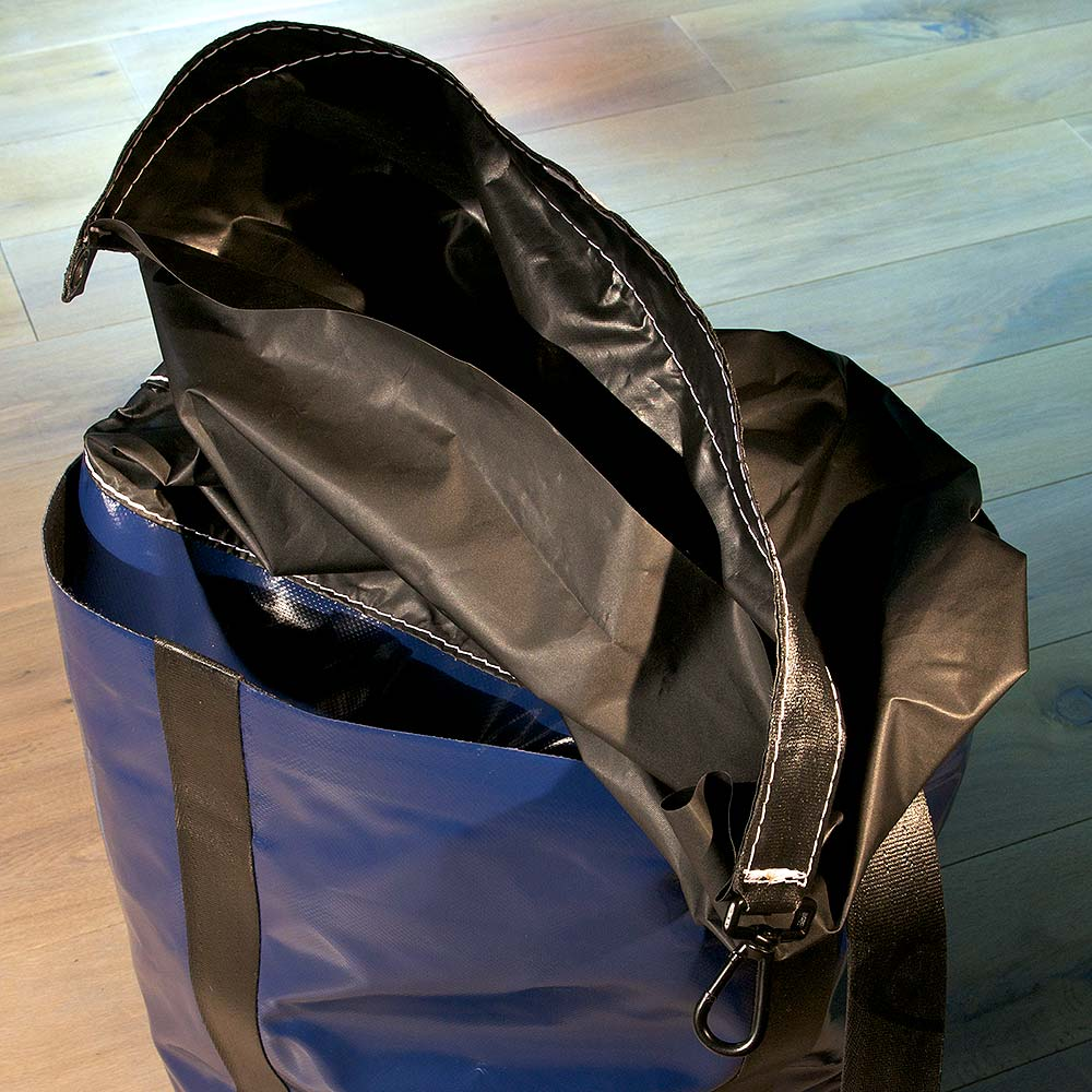Heavy load bag made of PCV fabric with inside bag clasp